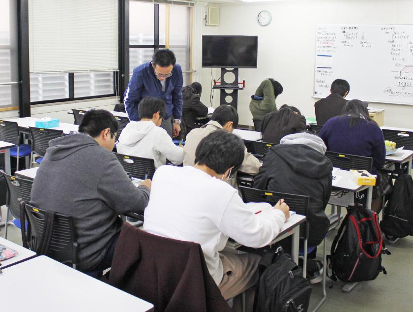クラスで学習